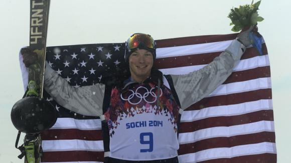 David Wise with flag in Sochi