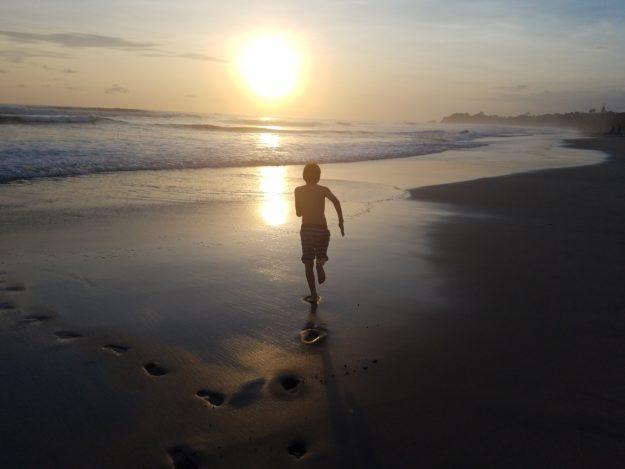 rennick running into sunset costa rica 060318